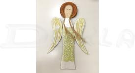 Drevený anjel na stenu s reliéfnym vzorom 59 cm (žltozelený)